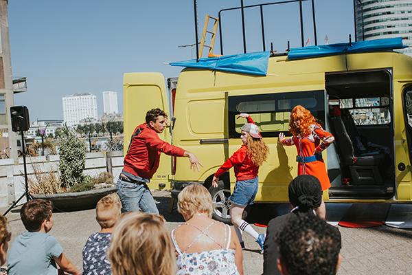 Aliekloesief de vrouwen van wanten jeugdtheater kindervoorstelling