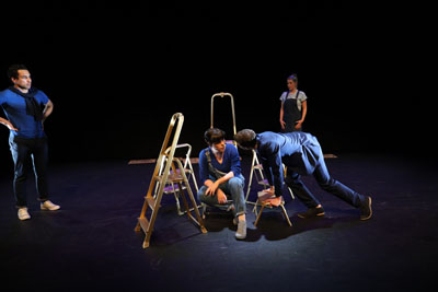 Anti een jongeren voorstelling die zeer geschikt is in het kader van ckv. Een klassieke voorstelling over Antigone in een modern jasje door theatergroep mangrove