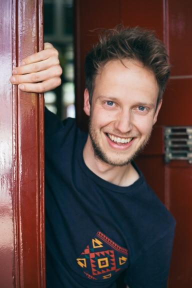 Bram van Beusekom is een jonge theater maker die gevestigd is in Brabant
