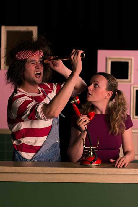 De piraten van kamer 16 een humoristische jeugdtheater voorstelling van Heer Otto
