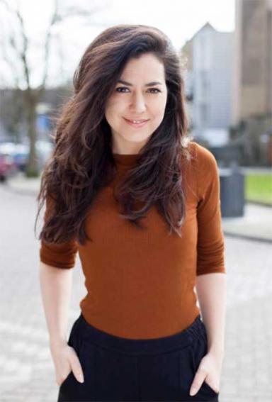 lotte middendorp is actrice en speelster bij kindertheater en jeugdtheater voor cultuureducatie