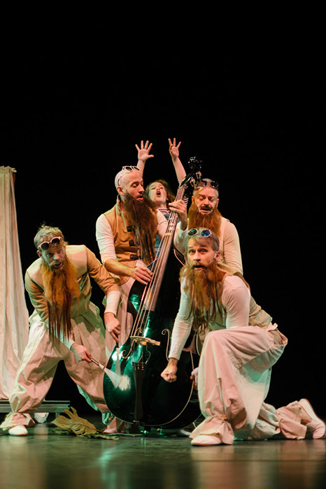 Meesters van de tijd een jeugdtheater voorstelling van Theater Jaski in samenwerking met het concertgebouw en percossa