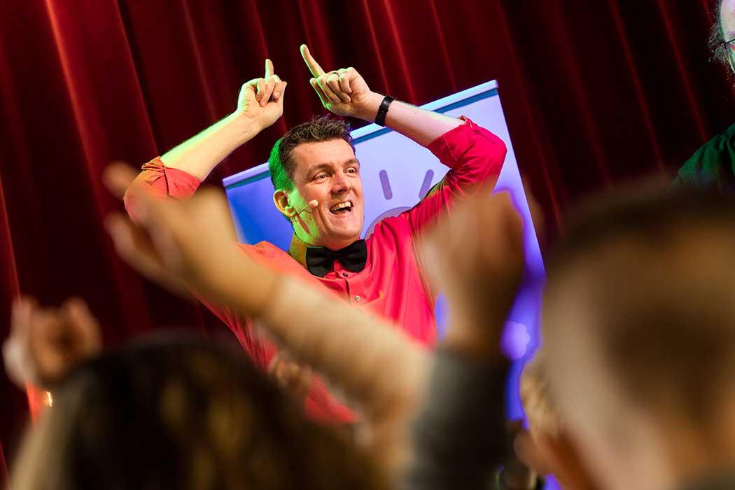 Na aperij een muzikale jeugdtheater voorstelling van Jeroen Schipper