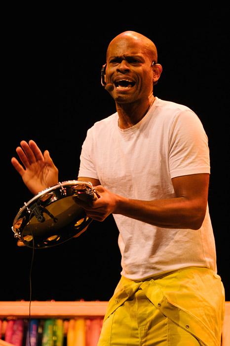 Padaboom een jeugdtheater voorstelling van Drumdrumdrum met o.a. Roel Calister van Kuenta en Djem van Dijk van Caramba