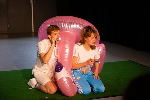 Het jongetje dat geen ja durfde te zeggen een jeugdtheater voorstelling van Kantoor Frisdrank