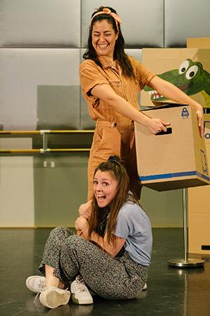 Echt Wel een jeugdtheater voorstelling van Koek & Ui tijdens de presentatiedag voorspeeldag van Buro Bannink