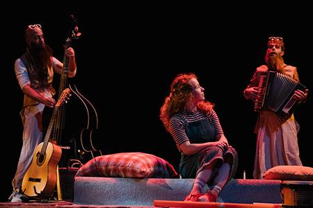 Meesters van de Tijd een jeugdtheater voorstelling van Theater Jaski en Percossa tijdens de presentatiedag voorspeeldag van Buro Bannink