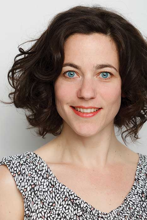 susanne roos is artistiek leider van theatergroep fien die filosofisch kindertheater maakt