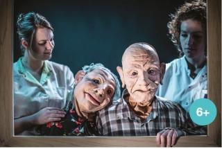 het zorgsysteem voor ouderen word in deze kindertheater voorstelling op vrlolijke en muzikale manier bezongen
