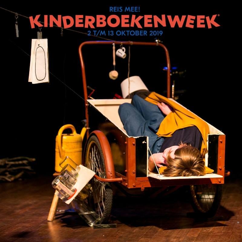 Buro Bannink bied ieder jaar diverse voorstellingen aan voor de kinderboekenweek in 2019 was Bobbel die in een bakfiets woont zeer geschikt bij het thema reis mee