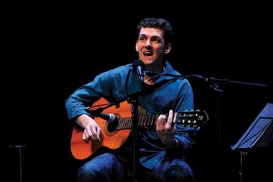Jeroen Schipper met gitaar, jeugdtheater gezelschapsfoto