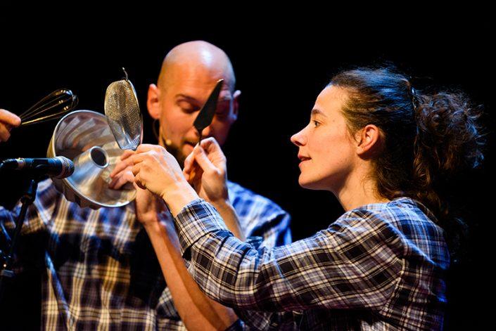 Wakker een poëtische en muzikale voorstelling van het jeugdtheater gezelschap Fien