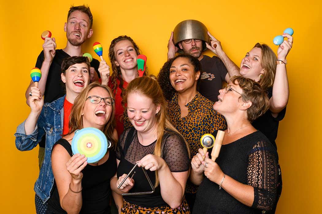 lachen met muziek theater voor kinderen
